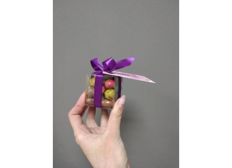 Микс -орехи в оболочке из шоколада со специями (9 вкусов!) +кофе в шоколаде в прозрачном кубе с открыточкой.